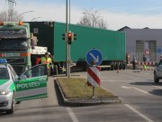 08-03-2013 memmingen schwertransport-blockiert-stadtumgehung schuhmachering poeppel new-facts-eu20130308 titel