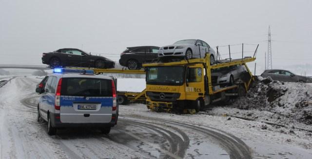 28-03-2013 a96 leutkirch autotransporter unfall pöppel new-facts-eu20130328 titel