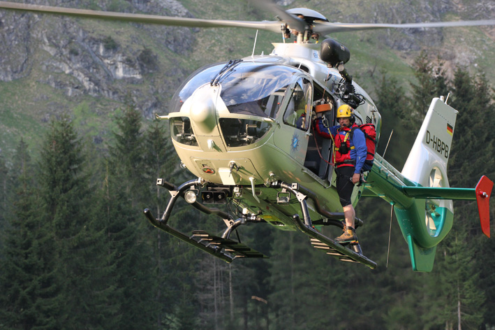 16-05-2013 oberallgau oberstdorf bergwacht polizeihubschrauber rettungsaktion hahnenkopf poeppel new-facts-eu20130516 titel
