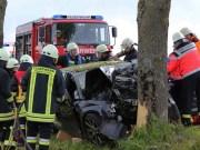 21-05-2013 ostallgau oal-16 reichenbach gennachhausen unfall pkw baum feuerwehr bringezu new-facts-eu20130521 titel