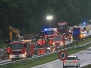 10-06-2013 bab-a8 burgau hochwasser starkregen zwiebler new-facts-eu20130610 titel