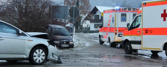 26-11-2013 unterallgäu westernach unfall winter verletzte poeppel new-facts-eu20131126 titel