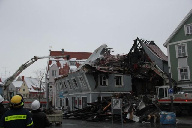 23-01-2013 24-01-2013 Brand schrannenplatz memmingen giebel einsturz new-facts-eu20130124 2121