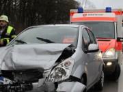 05-01-2014 bab-a7 memmingen-sud auffahrunfall feuerwehr verletzte poeppel new-facts-eu20140105 titel
