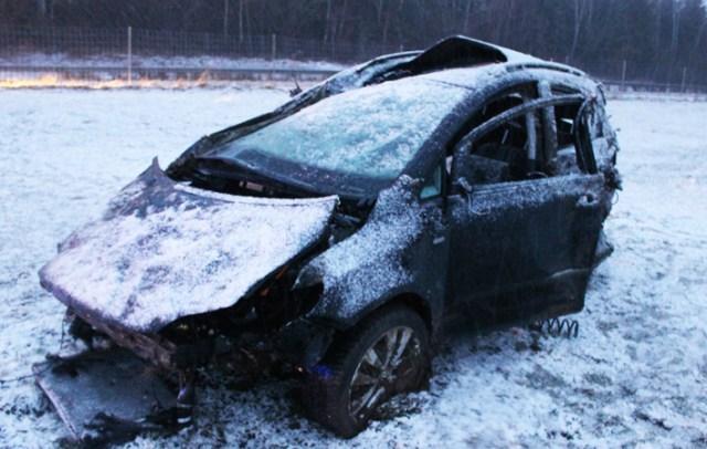 14-01-2014 b12 hellengerst waltenhofen schneeglaette unfall feuerwehr new-facts-eu20140114 titel