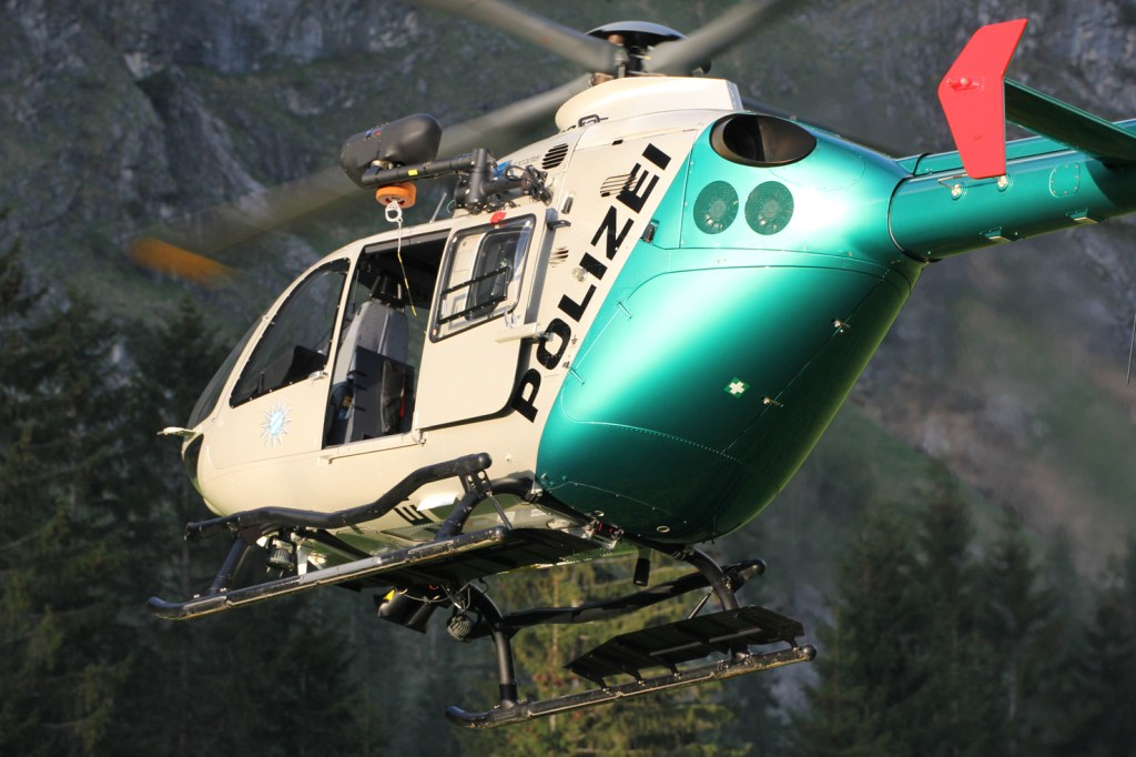 16-05-2013 oberallgau oberstdorf bergwacht polizeihubschrauber rettungsaktion hahnenkopf poeppel new-facts-eu20130516 0012