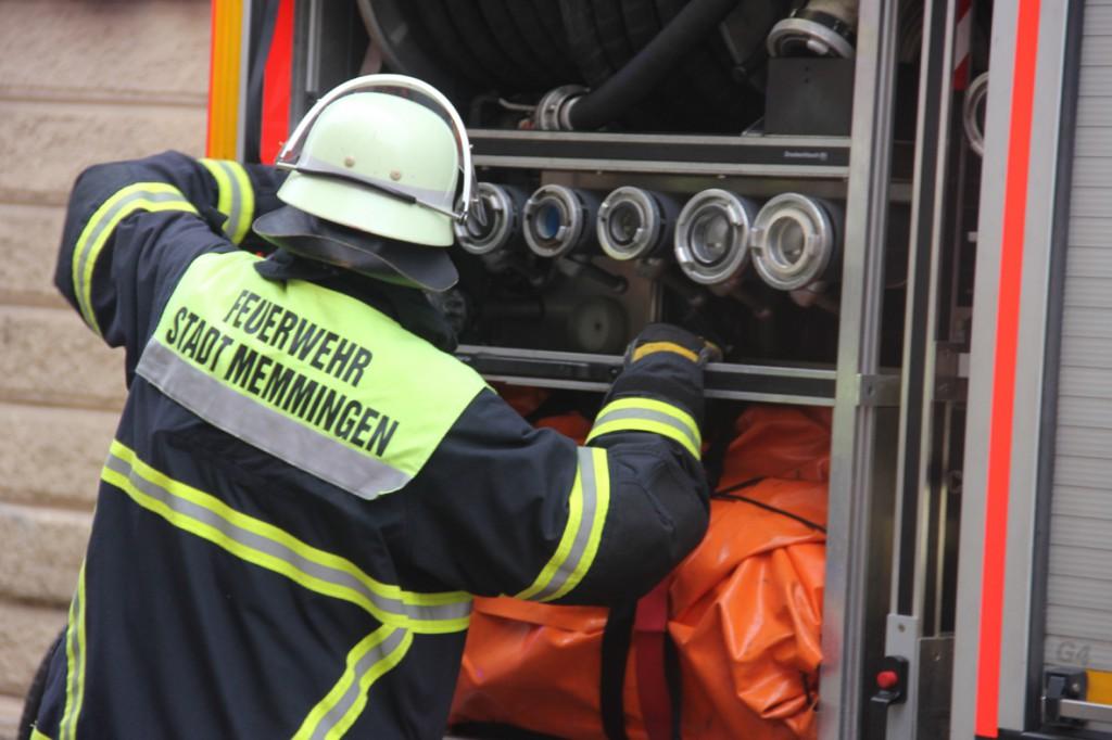 02-01-2014_memmingen_rauchentwicklung_altstadt_einlass_feuerwehr_poeppel_new-facts-eu20140102_0008