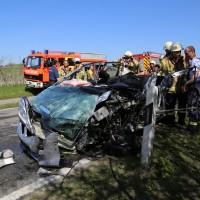 02-04-2014_lindau_oberreitnau_lkw_pkw_wohnwagen_unfall_schwerverletzte_groll_new-facts-eu20140402_0007