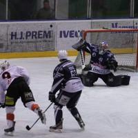 03-11-2013_memmingen_eishockey_indians_ecdc_ev-lindau_niederlage_fuchs_new-facts-eu20131103_0034