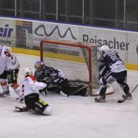 03-11-2013_memmingen_eishockey_indians_ecdc_ev-lindau_niederlage_fuchs_new-facts-eu20131103_0060