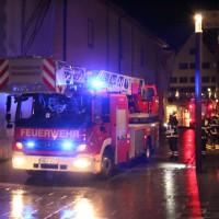 04-01-2014_memmingen_theaterplatz_notruf_brandgeruch_feuerwehr_poeppel_new-facts-eu20140104_0002