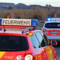 07-01-2014_b12_wilpoldsried_unfall-lkw_krankenwagen_feuerwehr_verletzte_poeppel_new-facts-eu20140107_0001