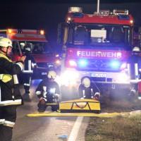 09-11-2013_b12_unfall_frontal_pkw_schwerverletzte_vollsperrung_poeppel_bringezu_new-facts-eu20131109_0035