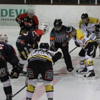 12-01-2014_allgau-derby_eishockey_indians_ecdc-memmingen_erc-sonthofen_niederlage_poeppel_new-facts-eu20140112_0042
