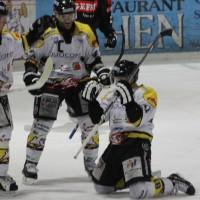 12-01-2014_allgau-derby_eishockey_indians_ecdc-memmingen_erc-sonthofen_niederlage_poeppel_new-facts-eu20140112_0061