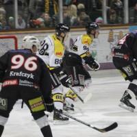12-01-2014_allgau-derby_eishockey_indians_ecdc-memmingen_erc-sonthofen_niederlage_poeppel_new-facts-eu20140112_0072