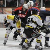 12-01-2014_allgau-derby_eishockey_indians_ecdc-memmingen_erc-sonthofen_niederlage_poeppel_new-facts-eu20140112_0088