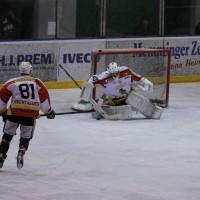 13-10-2013_eishockey_memmingen_ecdc_indians_piessenberg_fuchs_new-facts-eu20131013_0116