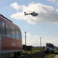 17-10-2013_unterallgau_nassenbeuren_bahnunfall_lkw_regionalbahn_feuerwehr_poeppel_new-facts-eu20131017_0025