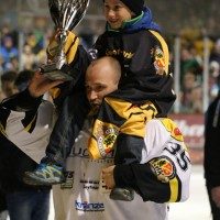 21-03-2014_eishockey_babyernliga-meister_erc-sonthofen_ecdc-memmingen_indians_poeppel_groll_new-facts-eu20140321_0109