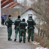 21-12-2013_allgau_kempten_mord_polizeiaktion_absuche_spurensicherung_poeppel_new-facts-eu20131222_0064