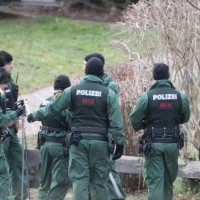 21-12-2013_allgau_kempten_mord_polizeiaktion_absuche_spurensicherung_poeppel_new-facts-eu20131222_0144