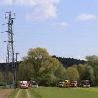 23-04-2014-biberach-kirchberg-hochspannungsleitung-unfall-arbeiter-feuerwehr-poeppel_new-facts-eu_0005