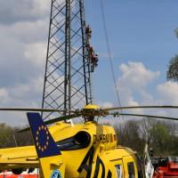 23-04-2014-biberach-kirchberg-hochspannungsleitung-unfall-arbeiter-feuerwehr-poeppel_new-facts-eu_0048
