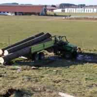 25-02-2015_unterallgaeu_legau_traktor-unfall_grolll_new-facts-eu20140225_0007