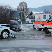 26-11-2013_unterallgäu_westernach_unfall_winter_verletzte_poeppel_new-facts-eu20131126_0006_1