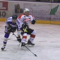 29-11-2013_ecdc-memmingen_eishockey_indians_ehc-waldkraigburg_bel_fuchs_new-facts-eu20131129_0016