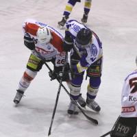 29-11-2013_ecdc-memmingen_eishockey_indians_ehc-waldkraigburg_bel_fuchs_new-facts-eu20131129_0029