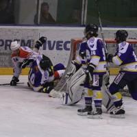 29-11-2013_ecdc-memmingen_eishockey_indians_ehc-waldkraigburg_bel_fuchs_new-facts-eu20131129_0033