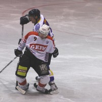 29-11-2013_ecdc-memmingen_eishockey_indians_ehc-waldkraigburg_bel_fuchs_new-facts-eu20131129_0043
