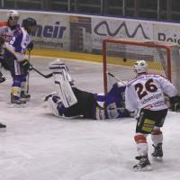 29-11-2013_ecdc-memmingen_eishockey_indians_ehc-waldkraigburg_bel_fuchs_new-facts-eu20131129_0047