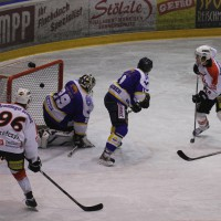29-11-2013_ecdc-memmingen_eishockey_indians_ehc-waldkraigburg_bel_fuchs_new-facts-eu20131129_0077