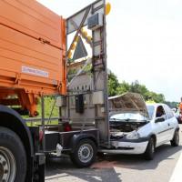 02-06-2014-a7-memmingen-unfall-pkw-sicherungsanhaenger-verletzte-feuerwehr-new-facts-eu_0005