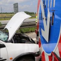 02-06-2014-a7-memmingen-unfall-pkw-sicherungsanhaenger-verletzte-feuerwehr-new-facts-eu_0007