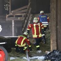 28-06-2014-unterallgaeu-groenenbach-heustock-bauernhof-feuerwehr-poeppel-new-facts-eu20140628_0008