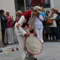 05-07-2014-memmingen-strassenkuenstler-memminger-meile-poeppel-new-facts-eu20140705_0044