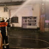 18-07-2014-ostallgaeu-kaufbeuren-hirschzell-brand-bauernhof-feuerwehr-bringezu-new-facts-eu (33)