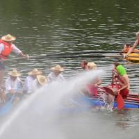 20-07-2014-biberach-haslacher-seenachtsfest-fischerstechen- wettbewerb-poeppel-bringezu-new-facts-eu20140720_0111