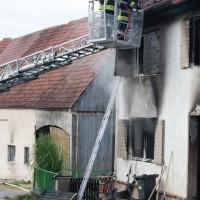 22-08-2014-guenzburg-ziemetshausen-brand-wohnung-kinder-familie-lebensgefahr-feurwehr-zwiebler-new-facts-eu019