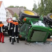 02-09-2014-unterallgaeu-fellheim-traktor-krad-sperrung-feuerwehr-poeppel-new-facts-eu (4)