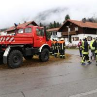 02.12.2014 LKW-in-Haus-Totalschaden-Fahrer-tot-Feuerwehr-Polizei- Rettungsdienst-Halblech-Vollsperrung-Bringezu-New-facts (7)