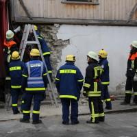 02.12.2014 LKW-in-Haus-Totalschaden-Fahrer-tot-Feuerwehr-Polizei- Rettungsdienst-Halblech-Vollsperrung-Bringezu-New-facts (82)