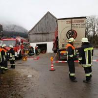 02.12.2014 LKW-in-Haus-Totalschaden-Fahrer-tot-Feuerwehr-Polizei- Rettungsdienst-Halblech-Vollsperrung-Bringezu-New-facts (83)