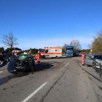 12.12.2014-Geisenried-B16-B12-Unfall-Totalschaden-Vollsperrung-schwer-verletzt-Rettungshubschrauber-Polizei-Rettungsdienst-Bringezu-New-facts (1)