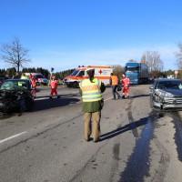 12.12.2014-Geisenried-B16-B12-Unfall-Totalschaden-Vollsperrung-schwer-verletzt-Rettungshubschrauber-Polizei-Rettungsdienst-Bringezu-New-facts (2)