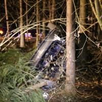16-12-2014-a96-biberach-erolzheim-edelbeuren-unfall-wald-ueberholen-feuerwehr-polizei-new-facts-eu0011
